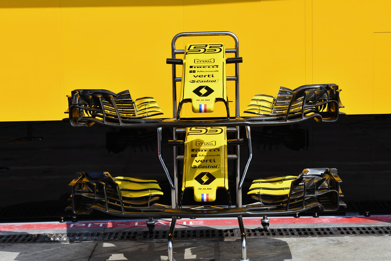 Renault Sport F1 Team RS 18 nose and front wings