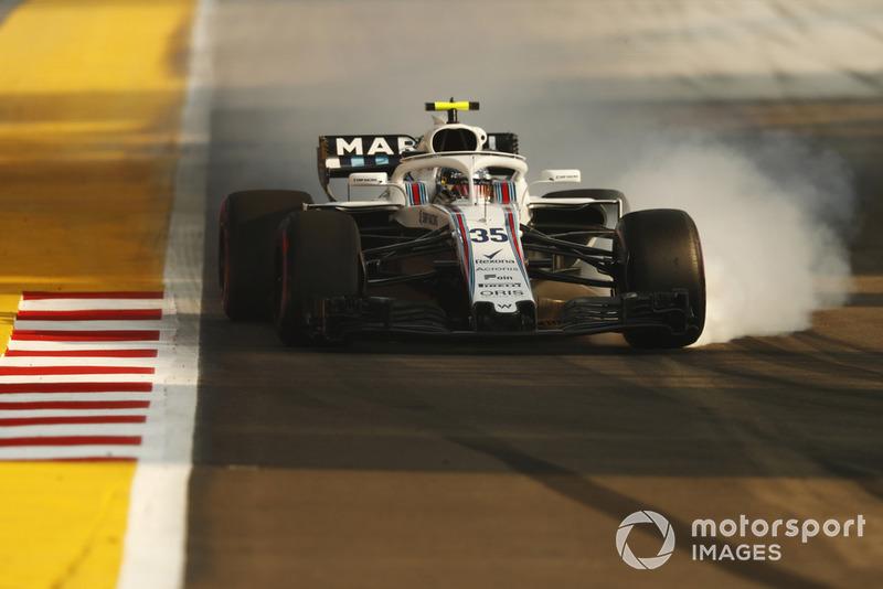 Sergey Sirotkin, Williams FW41, locks-up a front wheel