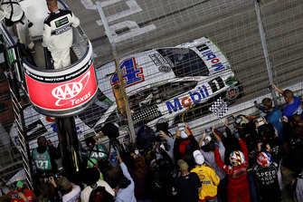 Kevin Harvick, Stewart-Haas Racing, Ford Fusion Mobil 1, fans