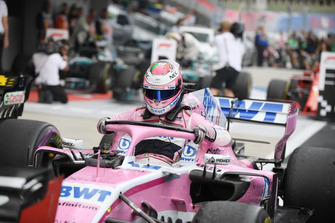 Sergio Perez, Racing Point Force India F1 Team, nel parco chiuso