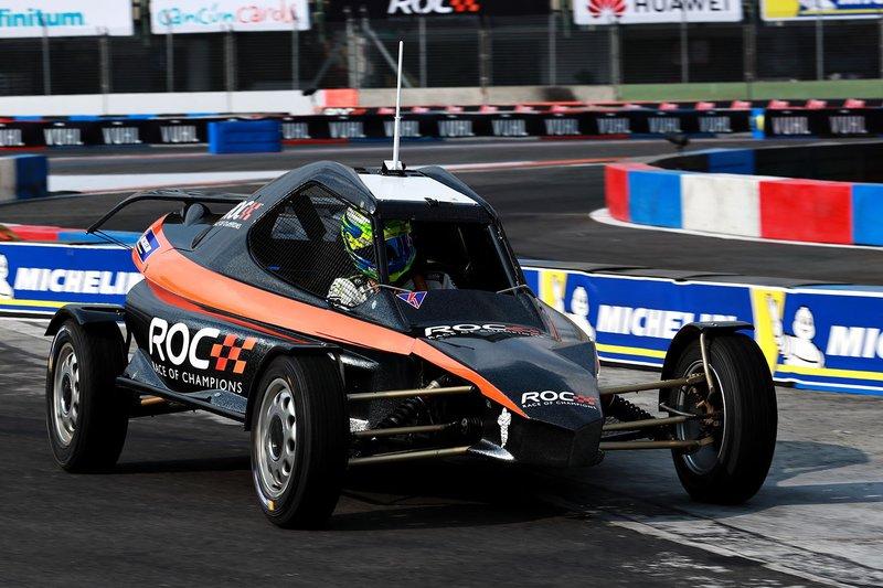 Беніто Герра за кермом машини ROC