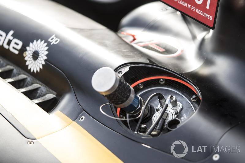 تفاصيل سيارة رينو