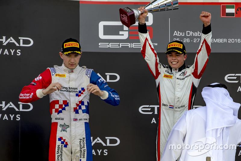 Tercer lugar Jack Aitken, Arden International, Ganador de la carrera Nyck De Vries, ART Grand Prix