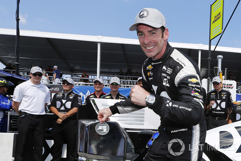 Ganador de la pole Simon Pagenaud, Team Penske Chevrolet