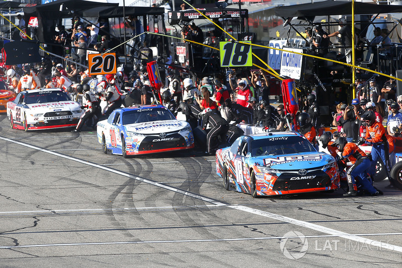 Kyle Busch, Joe Gibbs Racing Toyota, Ryan Preece, Joe Gibbs Racing Toyota, Brad Keselowski, Team Pen