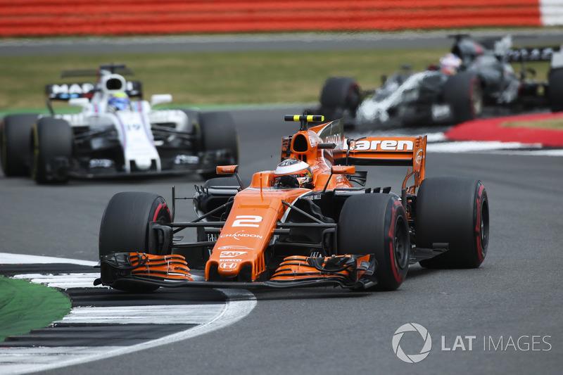 Стоффель Вандорн, McLaren MCL32, Феліпе Масса, Williams FW40