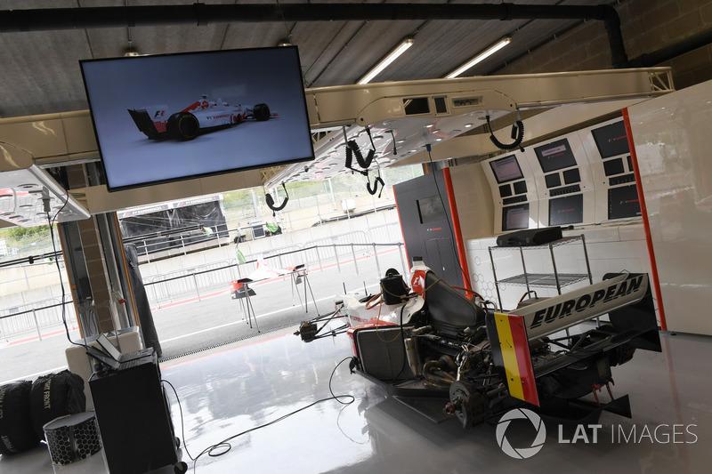 F1 Experiences 2-Seater passenger garage