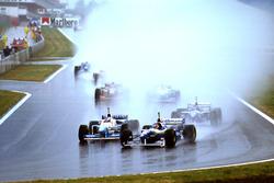 Jacques Villeneuve, Williams FW18; Jean Alesi, Benetton B196