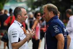 Paddy Lowe, directeur technique de Williams et Robert Fearnley, Team Principal adjoint Sahara Force India F1 Team