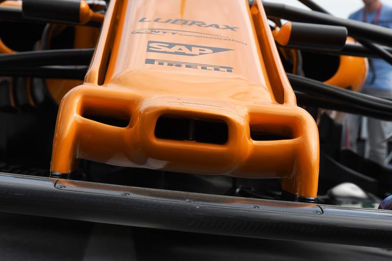Ніс McLaren MCL33