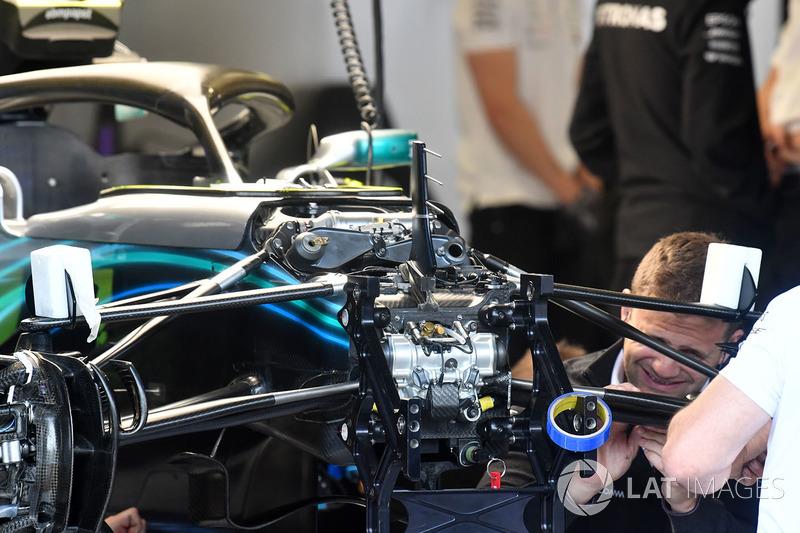Detalle de la suspensión delantera del Mercedes-AMG F1 W09