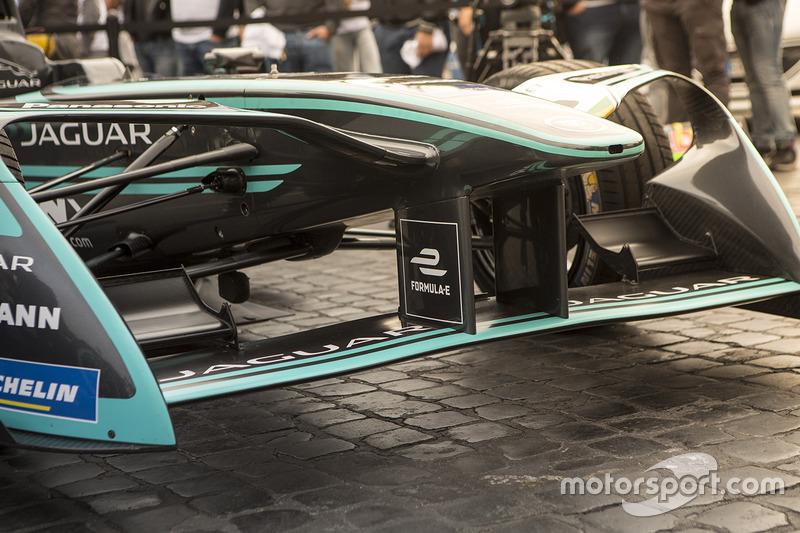 Jaguar Racing Formula E car en Roma
