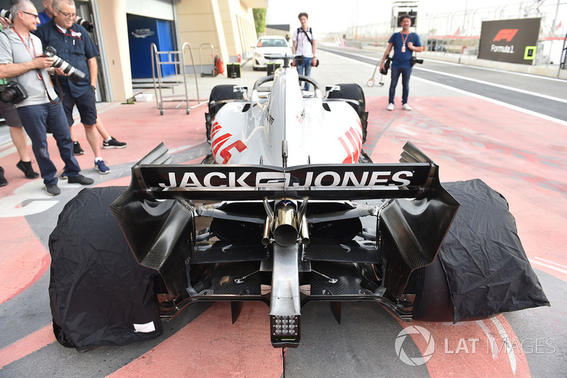 Haas F1 Team VF-18 rear