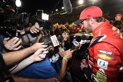Dale Earnhardt Jr., Hendrick Motorsports Chevrolet, mit seiner Crew