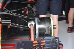 Vue détaillée d'un frein avant de la Red Bull Racing RB14