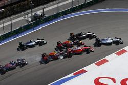 Felipe Massa, Williams FW38, Sergio Perez, Force India VJM09, Daniel Ricciardo, Red Bull Racing RB12