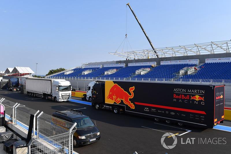 Red Bull Racing camión