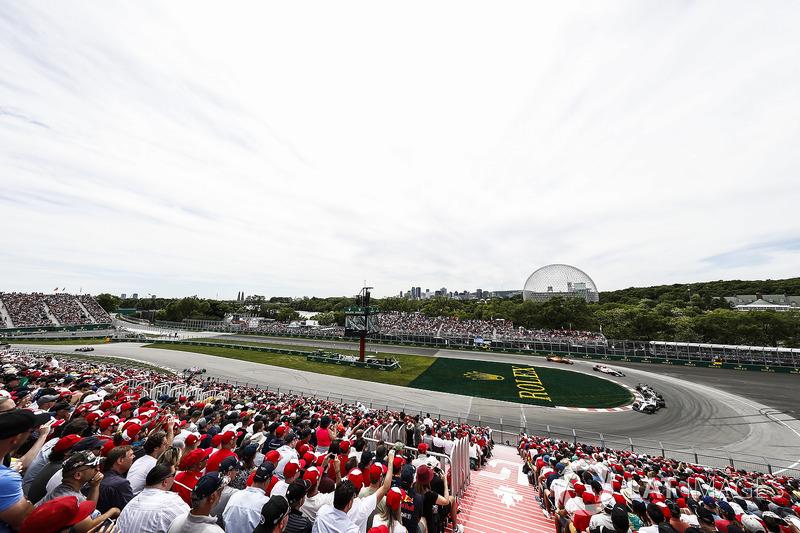 Pierre Gasly, Toro Rosso STR13, precede Sergey Sirotkin, Williams FW41, e Romain Grosjean, Haas F1 Team VF-18
