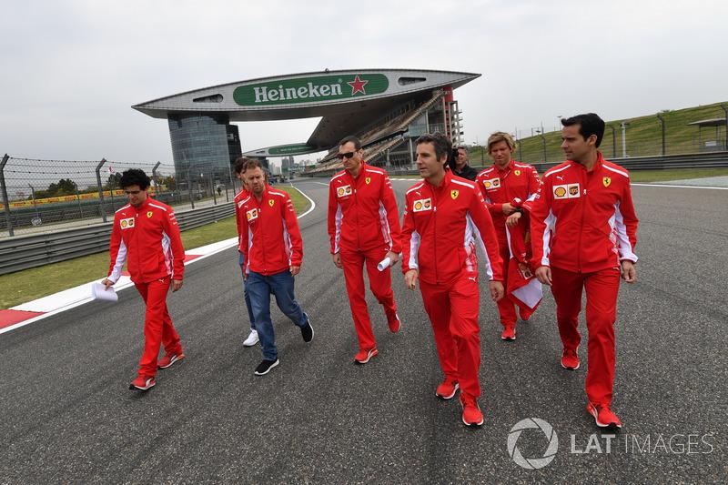 Sebastian Vettel, Ferrari walks the track with the team