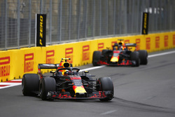 Max Verstappen, Red Bull Racing RB14 Tag Heuer, Daniel Ricciardo, Red Bull Racing RB14 Tag Heuer