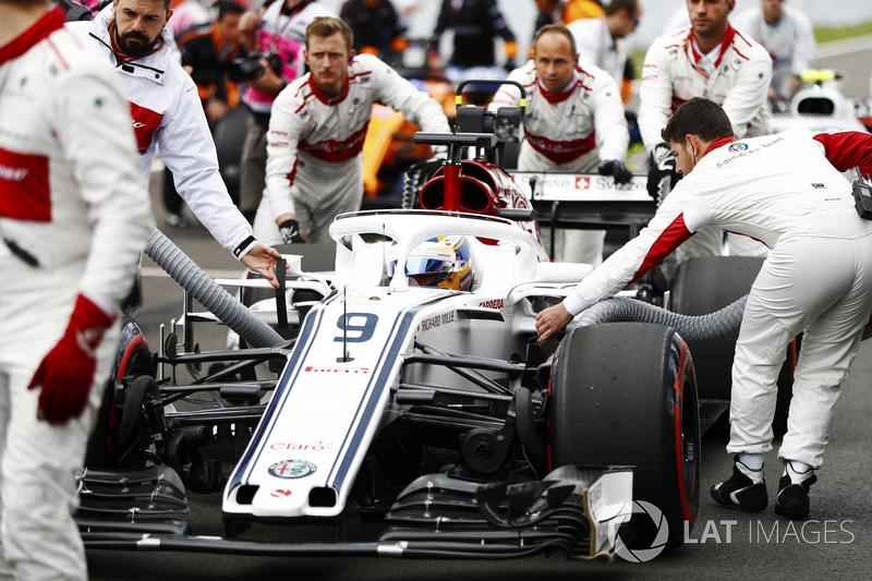 Marcus Ericsson, Sauber, arriva in griglia