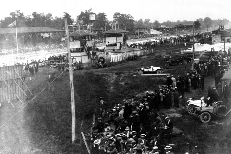 Рекорд по количеству финишировавших держит самый первый заезд в Индианаполисе – тогда гонку закончили 26 пилотов