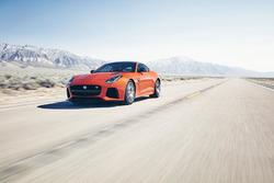 Jaguar F-Type test met Michelle Rodriguez