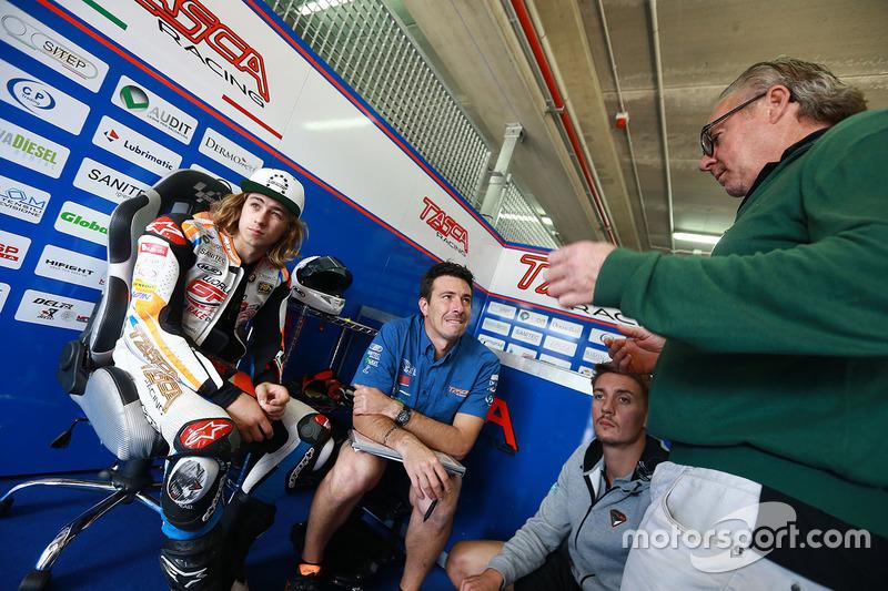Remy Gardner, Tasca Racing Scuderia Moto2; Wayne Gardner