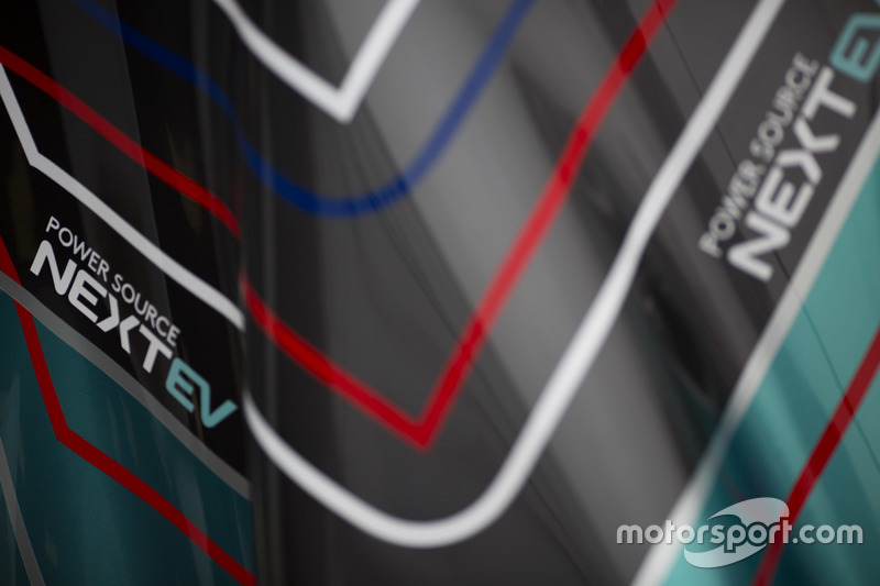 Cupolone e grafica del NEXTEV TCR Formula E Team