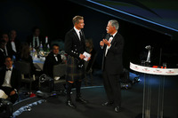 David Coulthard talks to Chase Carey, Chairman, Formula One