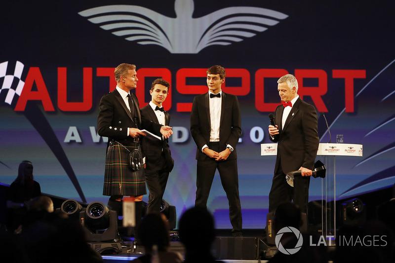 Derek Warwick recibe el premio Gregor Grant