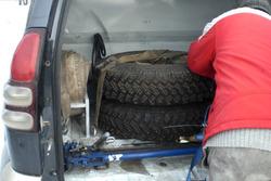 Спортивний шип в багажнику Toyota Олександра Сафранкова та Анатолія Зеленського