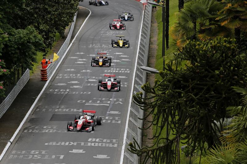 Лидирует Гуанью Чжоу, PREMA Theodore Racing, Dallara F317 Mercedes-Benz