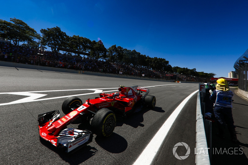 Another issue for Raikkonen on the starting grid