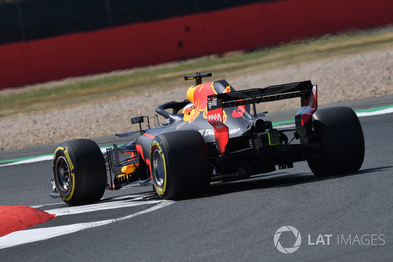 daniel ricciardo red bull racing rb14 bei silverstone. Black Bedroom Furniture Sets. Home Design Ideas