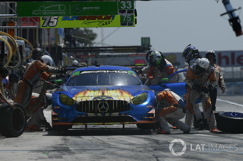 #75 SunEnergy1 Racing Mercedes AMG GT3, GTD: Kenny Habul, Thomas Jäger, Mikael Grenier, pit stop