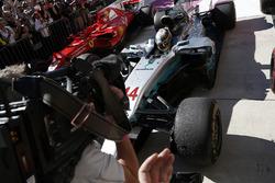 Race winner Lewis Hamilton, Mercedes-Benz F1 W08  in parc ferme