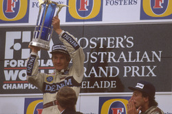 Podium: race winner Thierry Boutsen, Williams Renault and third place Riccardo Patrese, Williams Renault
