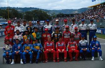 Gruppenfoto: Fahrer der Formel-1-Saison 1994 beim Saisonfinale in Adelaide