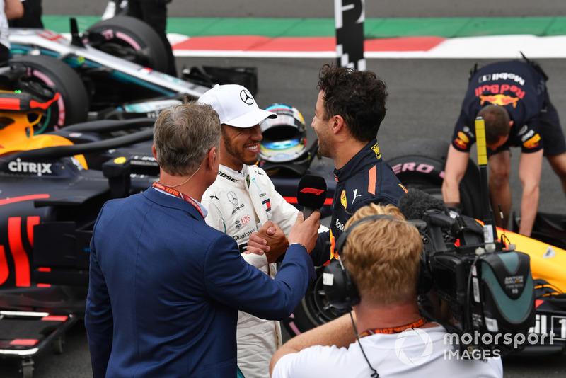 David Coulthard, Channel 4 F1 con Lewis Hamilton, Mercedes AMG F1 y Daniel Ricciardo, Red Bull Racing en Parc Ferme