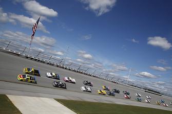 Matt Crafton, ThorSport Racing, Ford F-150 Fisher Nuts/ Menards Grant Enfinger, ThorSport Racing, Ford F-150 Champion Power Equipment/Curb Records