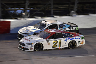Paul Menard, Wood Brothers Racing, Ford Fusion Motorcraft / Quick Lane Tire & Auto Center and Kyle Larson, Chip Ganassi Racing, Chevrolet Camaro DC Solar