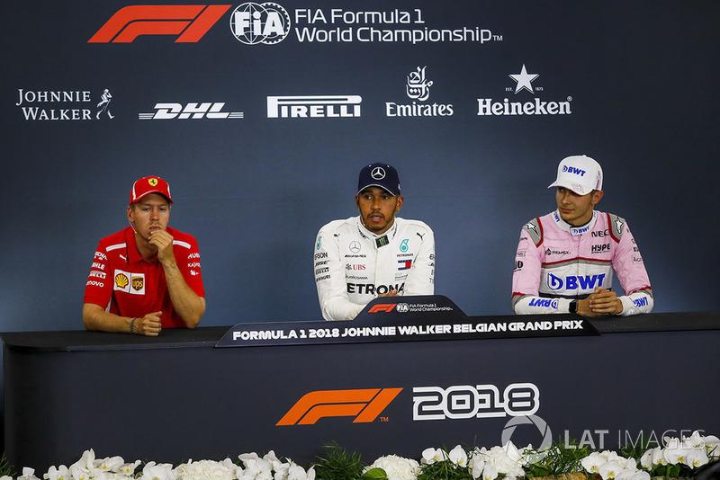 Sebastian Vettel, Ferrari SF71H, Lewis Hamilton, Mercedes AMG F1 y Esteban Ocon, Racing Point Force India F1 Team en conferencia de prensa