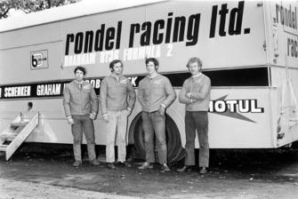 L'écurie Rondel Racing F2 de Formule 2 avec Clive Walton, Ron Dennis, Neil Trundle et Preston Anderson