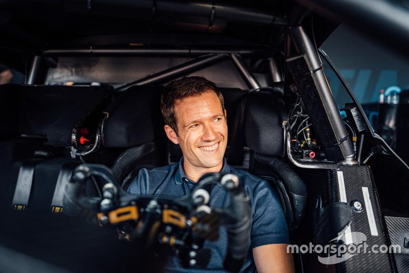 Sebastien Ogier di dalam Mercedes-AMG C 63 DTM