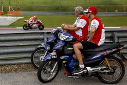 Casey Stoner, Ducati Team volgt de test