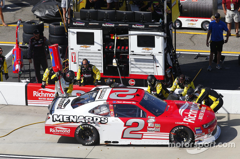 Paul Menard, Richard Childress Racing Chevrolet, pit action