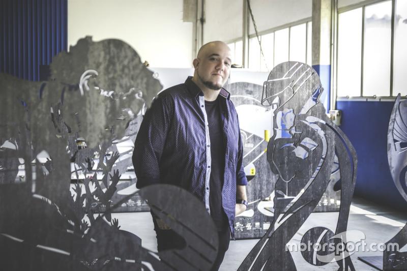 Rafael Sanches e as esculturas de Ayrton Senna