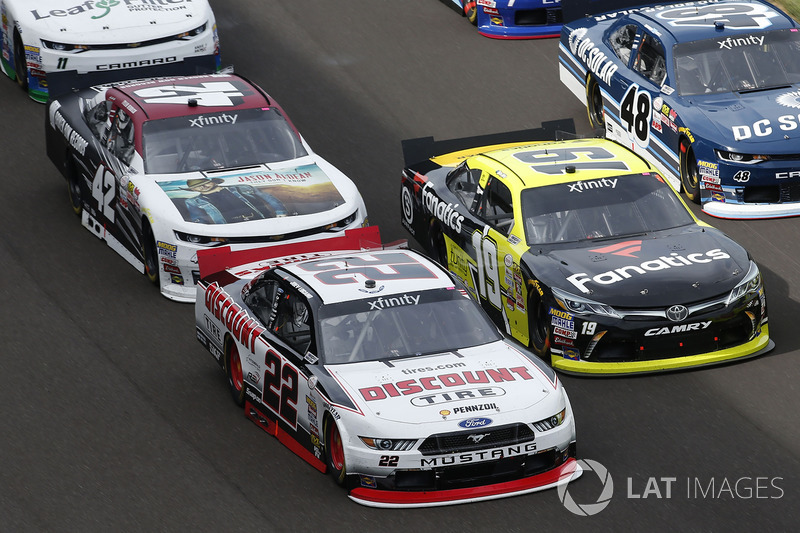 Joey Logano, Team Penske Ford, Matt Tifft, Joe Gibbs Racing Toyota