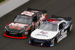 William Byron, JR Motorsports Chevrolet and Kyle Busch, Joe Gibbs Racing Toyota